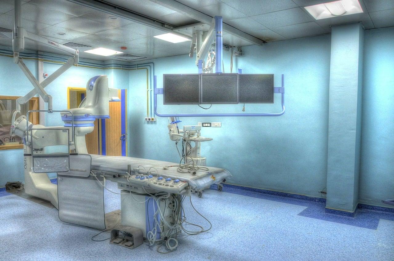 operation-theatre-555088_1280
