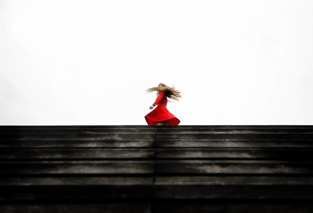 red-dress-1149534_1280